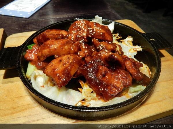 台中北區.平價實在料多開胃的辣椒醬三層肉@韓國兄弟韓式料理