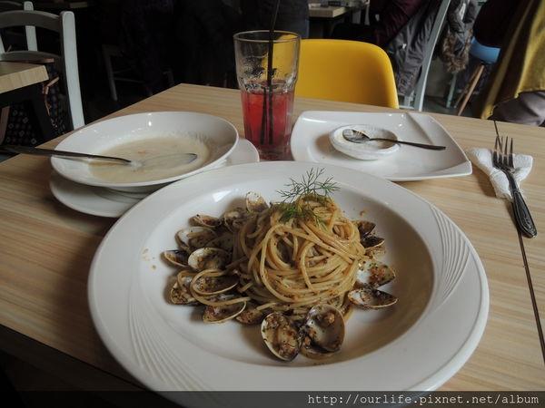 台中.學生超推的平價好吃義大利麵@菲淇士義麵館(+wifi)