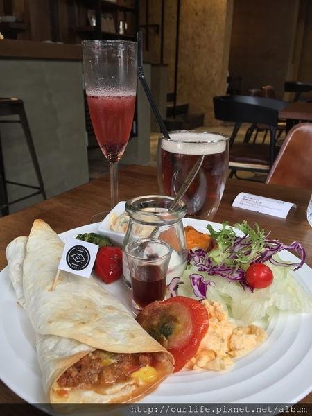 台中南屯.精緻舒適的工業風早午餐@Cafe Muah(+wifi)
