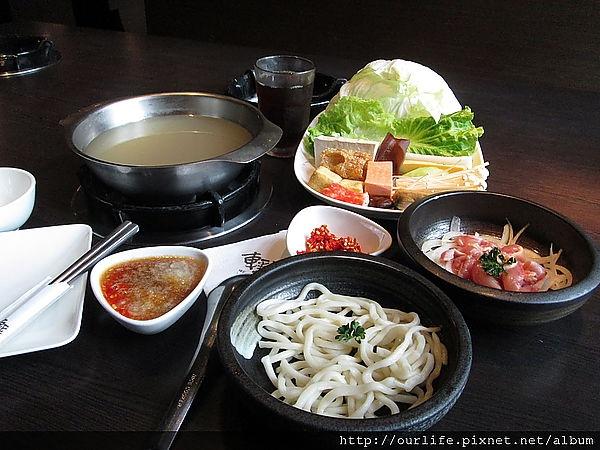 台中.氣派又宏偉的148元日式雞肉火鍋@輕井澤公益店