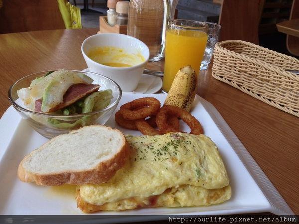 台中.滑嫩可口料豐富的玉子蛋捲早午餐@歐怡咖啡館(+wifi)