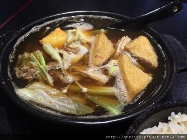 台中北屯.清甜肉茶香的肉骨茶@圻宏馬來風味料理