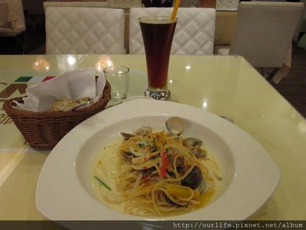 台中.名不虛傳平價服務好的白醬蛤蜊麵@廚師先生