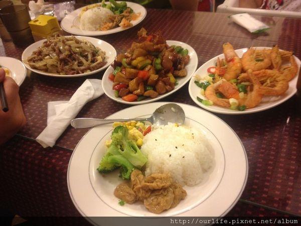 台北新店.量多味美的宮保菇菇雞@沙比歐美食餐坊