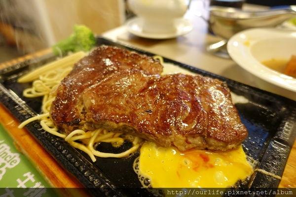 台中北區.190元很有肉感會吃飽的台式牛排@牛排大叔漢口店