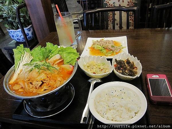 台中.物超所值的100元韓式田樂燒肉鍋@喬家大院公益店