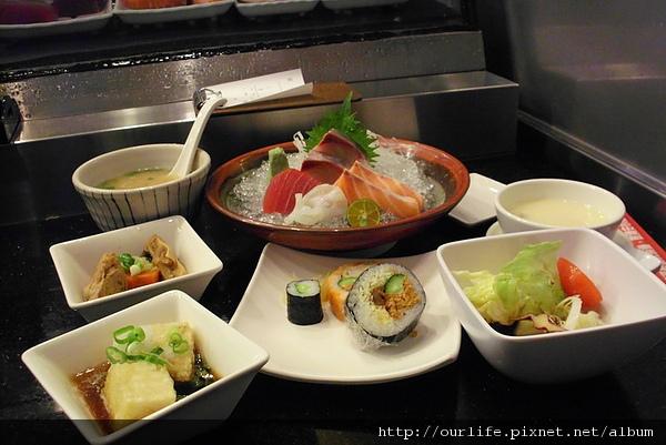 台中.果然夠生冷套餐@三次魚屋日本料理