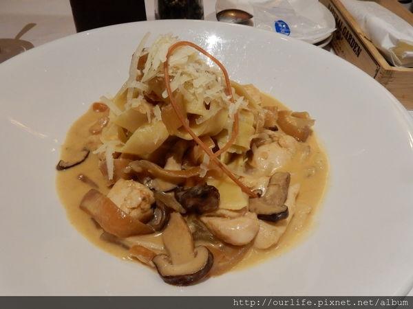 台中市北區.道地傳統又平價的洋葱蘑菇雞肉麵@Joy's Cafe