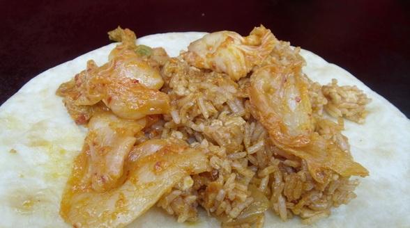 台中.黃金組合-腐乳泡菜米包餅