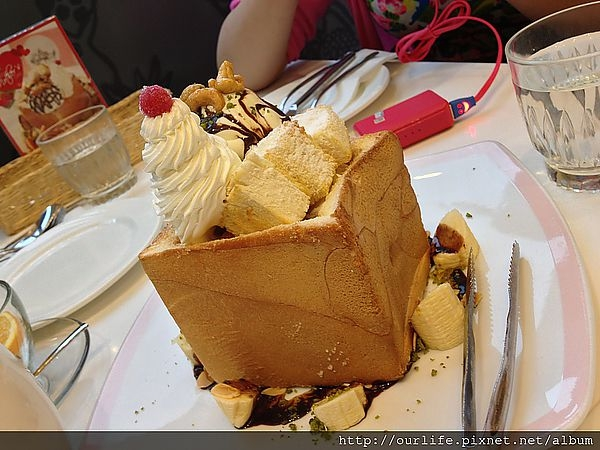 台中.還是舊愛最好吃的蜜糖吐司@Dazzling Cafe台中店