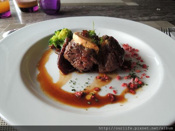 台中逢甲.522元精緻好吃的松菇溫煮菲力牛排@星享道酒店凱文廚房(+wifi)