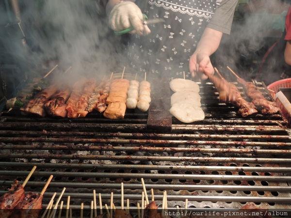台中.烤葷烤素都涮嘴的烤肉@中華夜市烤肉林