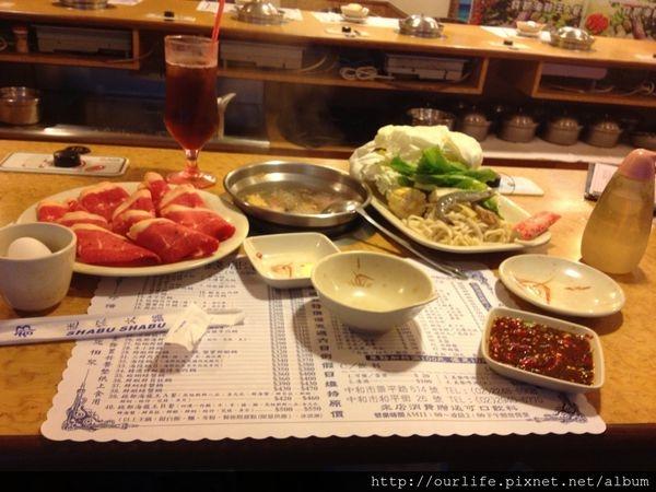 新北中和.物超所值的牛肉涮涮鍋@錢都小火鍋景平店