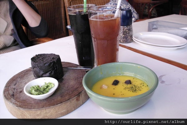 台中.辣味茄汁蛤蜊雞腿寬麵@Joy's Cafe喬帝塘義大利麵