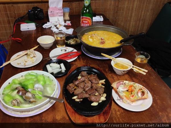 台中.肉甜味鮮又平價的生滾蟹黃粥@獅兄弟風味小酒館