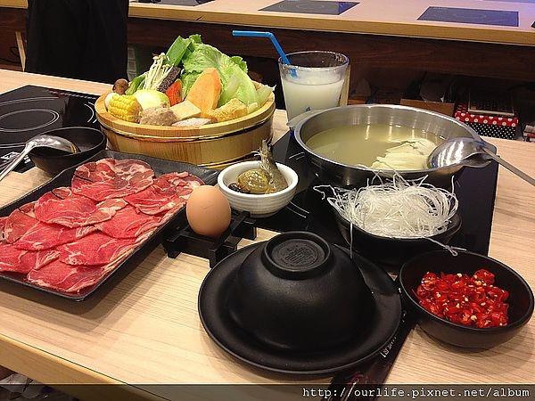 台中.湯鮮味美的雞湯元氣鍋@饗喫概念鍋物(+wifi)