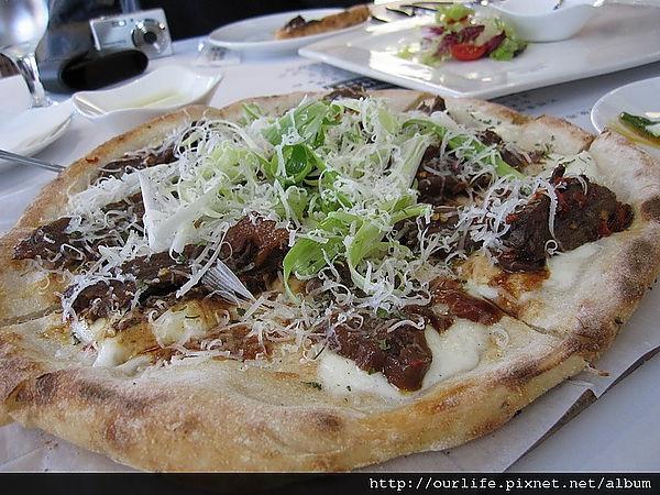 台中.很有烤鴨FU的創意京醬牛肉pizza@1924義式廚房