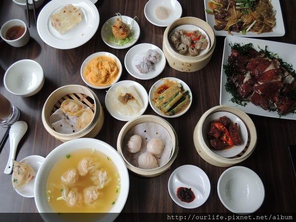 台中西區.道地港式茶餐廳(開幕7折)@港澳茶餐廳(+wifi)