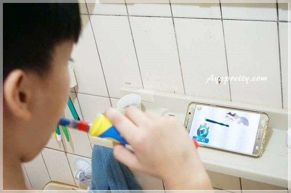 德國百靈Oral-B 海底總動員 D10兒童充電電動牙刷 (29).JPG