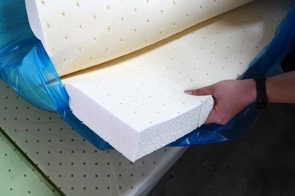台中床墊工廠直營,台中獨立筒床墊,大里八鐘頭展示工廠 (15).jpg
