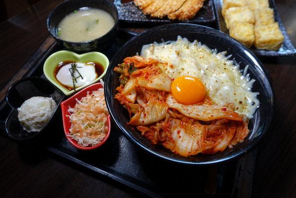 新丼日式丼飯 (1).JPG
