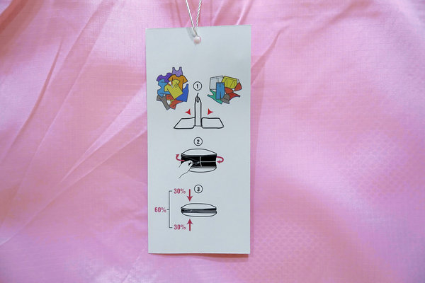 美極品神奇衣物縮小包,旅行壓縮袋推薦,防潑水處理不怕弄濕,衣服不會變皺、髒衣服可分開放,用手輕鬆壓縮有效節省空間的衣物收納袋