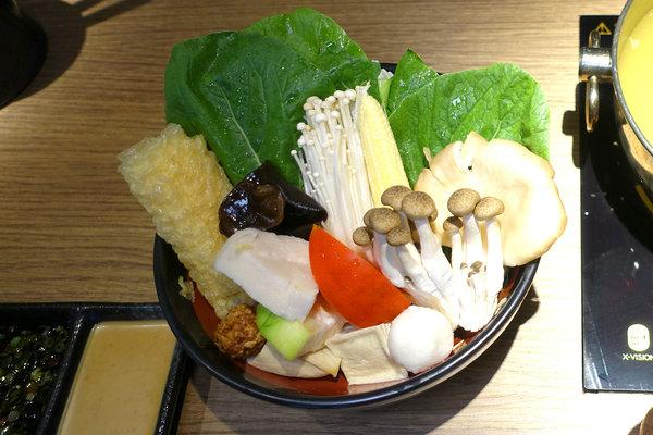 王鍋屋-酸白菜鍋專門店shabu ong (18).jpg