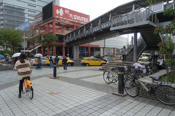 三重到板橋捷運,三重到板橋車站怎麼搭比較快 (30).JPG