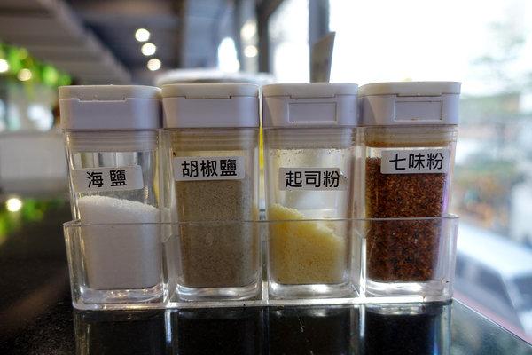 西門町燒烤吃到飽-町番燒肉,台北火烤兩吃吃到飽 (29).jpg