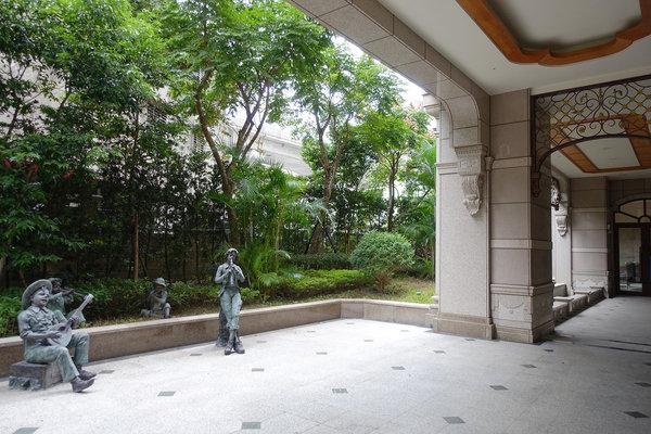 新北廠辦大樓出售-九揚高峰會,台北事務所、辦公室大樓首選 (37).jpg