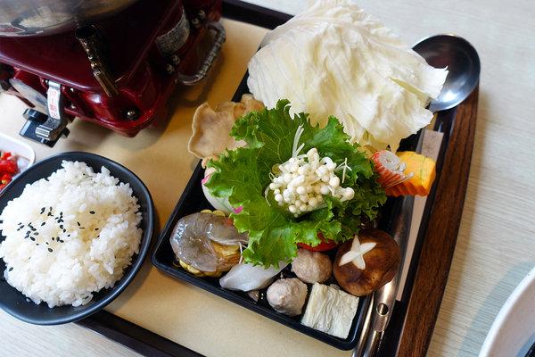 西門町平價牛排-巴菲廚房牛排鍋物 (33).jpg
