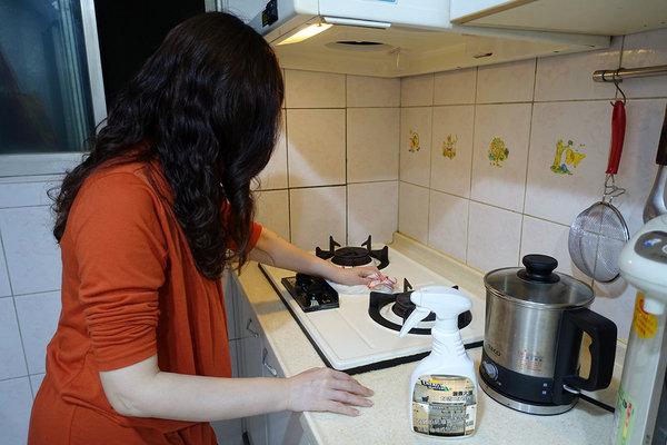 能量大師強效廚房油垢清潔劑 (1).jpg
