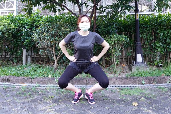 3分鐘無跳耀、不需器材的居家運動-你不知道的國民健身操 (3).jpg