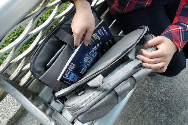 開箱-bagrun輕軍風三用機能後揹筆電包,上班族、輕旅行機能背包 (12).jpg