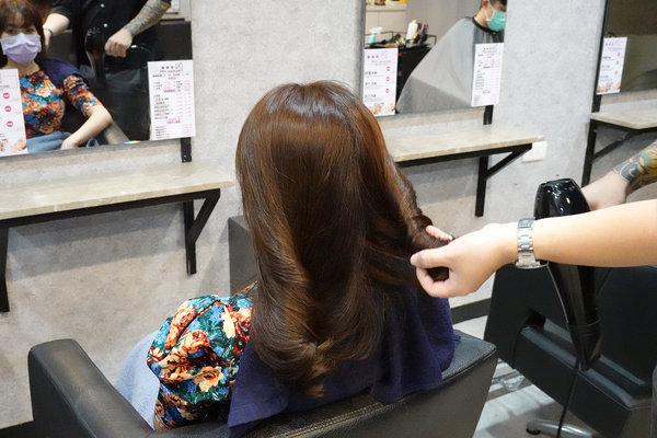 三重染髮推薦-Wor hair髮廊三重店,三重便宜染髮 (37).jpg