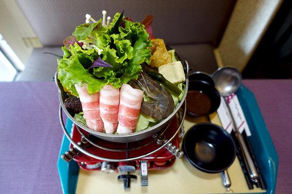 西門町美食小牛匠焗烤串燒牛排 (27).jpg