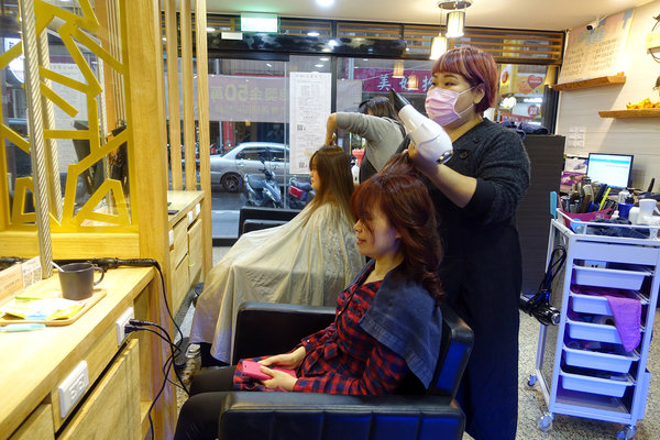 蘆洲美髮沙龍-迪薾髮型,專業平價蘆洲染髮、結構護髮推薦 (46).jpg