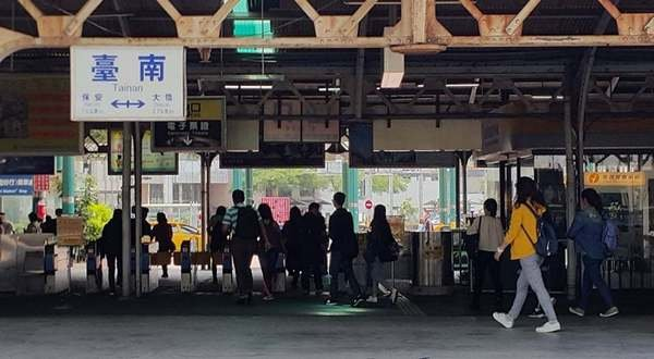 台南高鐵站到台南車站 (20).jpg