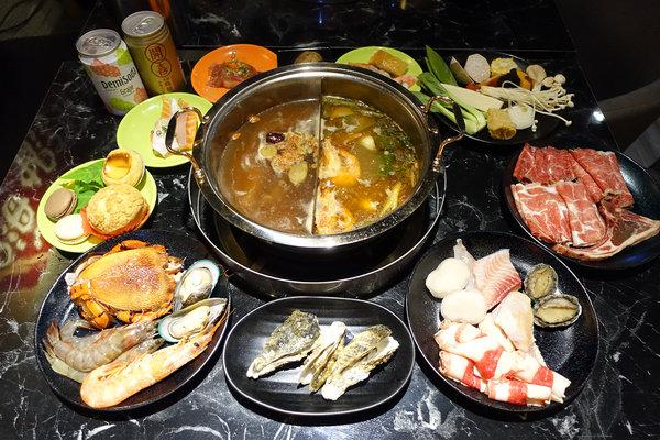 台北聚餐火鍋吃到飽-嗨蝦蝦百匯鍋物吃到飽,罐裝啤酒喝到飽 (1).jpg
