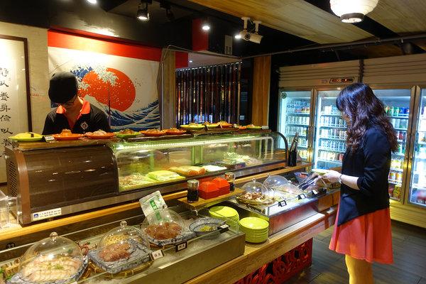 台北聚餐火鍋吃到飽-嗨蝦蝦百匯鍋物吃到飽,罐裝啤酒喝到飽 (16).jpg