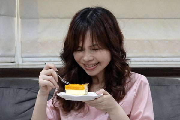 水母吃乳酪芒果乳酪塔,夏日限定好吃芒果甜點 (19).jpg