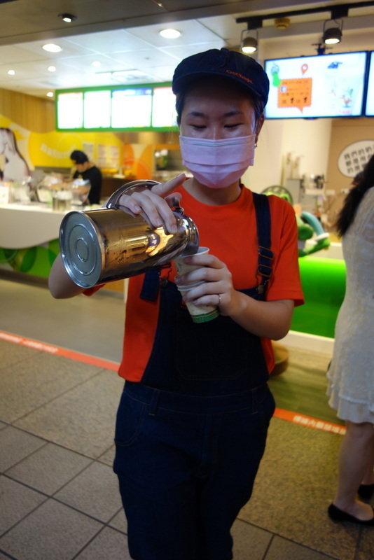 鱷魚騎士奶茶北車站前店 (3).JPG