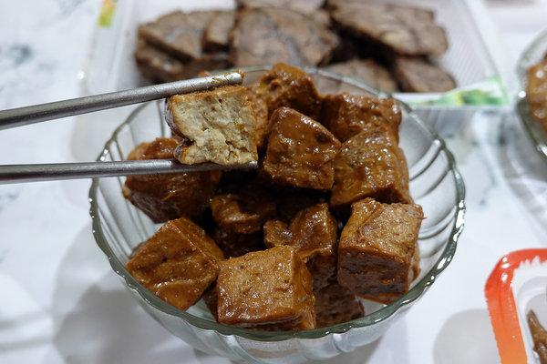 黑竹園雞腳冷滷味,以四十年老滷汁製成的好吃團購美食 (22).jpg