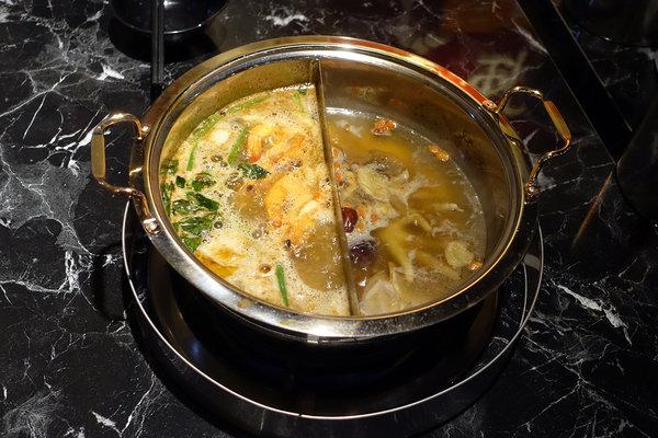 台北聚餐火鍋吃到飽-嗨蝦蝦百匯鍋物吃到飽,罐裝啤酒喝到飽 (7).jpg