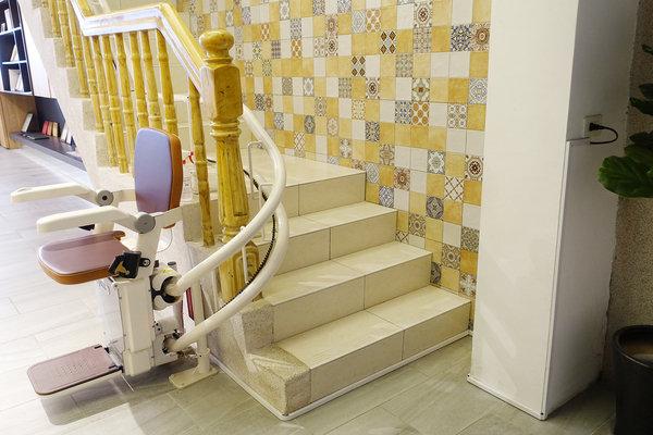 好用樓梯升降椅推薦-羅布森樓梯升降椅 (16).jpg