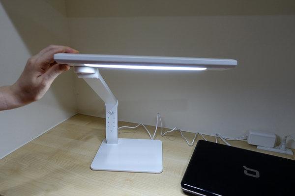 旭光LED護眼檯燈、自然光燈泡、雪糕燈開箱 (28).jpg