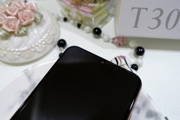 SUGAR T30開箱,平價三鏡頭廣角新手機,拍照好看的手機 (16).jpg