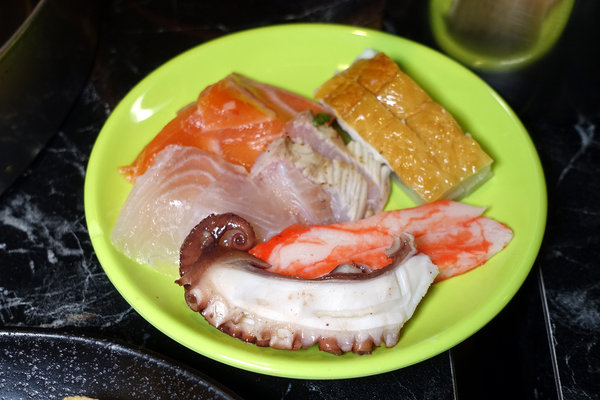 台北聚餐火鍋吃到飽-嗨蝦蝦百匯鍋物吃到飽,罐裝啤酒喝到飽 (21).jpg