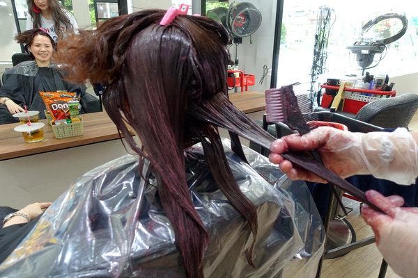 士林染髮、士林哥德式護髮-A&F hair salon士林店,士林剪髮便宜/專業接髮/頭皮養護/燙髮,Kimico造型師,士林夜市平價專業美髮