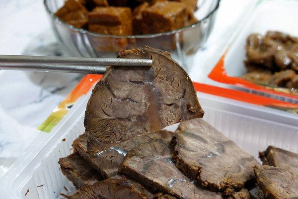 黑竹園雞腳冷滷味,以四十年老滷汁製成的好吃團購美食 (21).jpg
